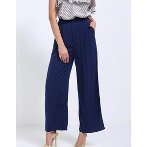 5/$30 🆕 Navy wide leg trousers
